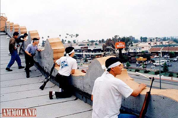 Korean men defending Koreatown during the 1992 LA riot